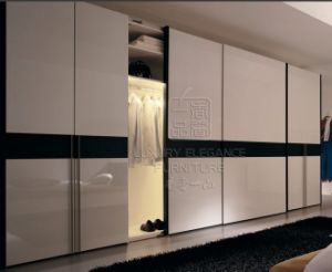 Sliding Lacqure Wardrobes Cupboard (ZHUV) pictures & photos