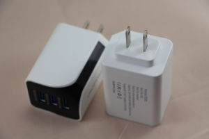 Us/EU/UK Plug 3.4A Universal Wall Charger Adapter with 3 USB Port pictures & photos