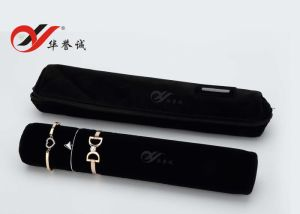 Black Velvet Bangle Roll Jewelry Pouch pictures & photos