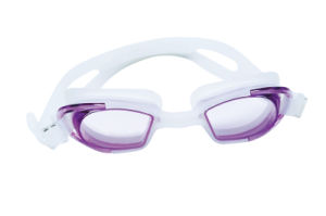 Fashion Silicone UV Cut Swimming Goggles pictures & photos