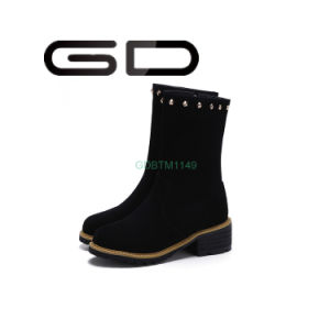 Gdshoe Factory New Design of Rivet Suede Women Ankle Boots pictures & photos