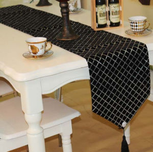 Sequin Embroidery Table Runner Embroidery Decorative Table Flag (JTR-55) pictures & photos