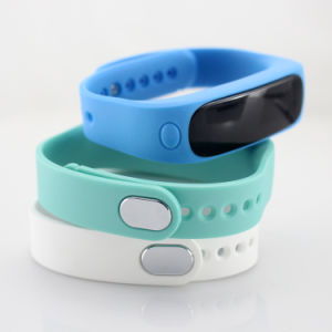 Smart Bluetooth Activity Tracking Band, Works with Android and Ios Phone