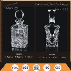750ml Crystal Glass Bottle/Glass Liqueurs Bottle pictures & photos