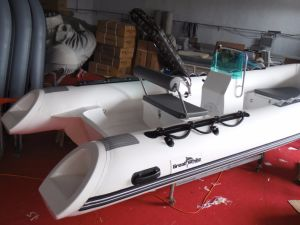 Classical Inflatable Fishing Boat, Small Cheap Made in China Rib Boat, Outboard Motor Boat, PVC or Hypalon Rib470A with Ce Cert. for Sale pictures & photos