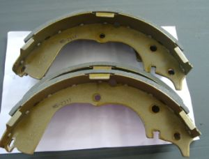 Brake Shoe 0449526130 for Toyota pictures & photos