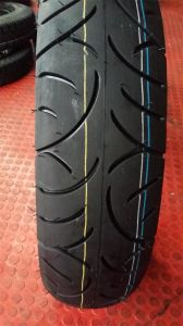 Professinal Motorcycle Tubeless Tyre (130/70-17) New Pattern pictures & photos