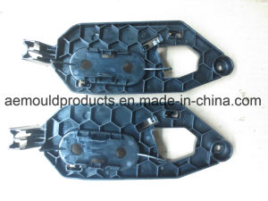 Auto Parts of Plastic Injection Mould pictures & photos
