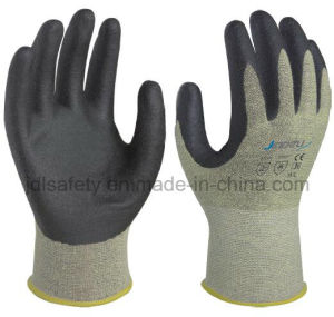 18 Gauge Cut Resistant Work Glove with Foam Nitrile Coated (NK3040) pictures & photos