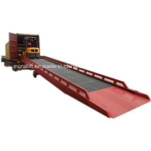 10t Hydraulic Warehouse Mobile Forklift Dock Leveler pictures & photos