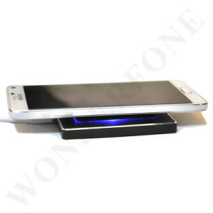 Hot Sell Qi Standard Wireless Charger Best Quality Receiver for iPhone6/6s pictures & photos