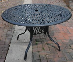 Beautiful Looking 48′′ Round Table Aluminum Patio Furniture pictures & photos