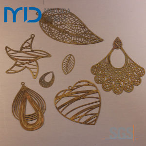 Elegant Heartshape Jewelry Findings with Brass Filigree Design for Sales pictures & photos