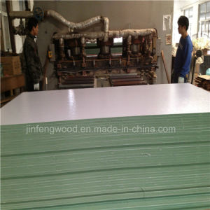 ISO9001: 2008 Furniture Grade Melamine Hmr MDF 1220*2440mm pictures & photos