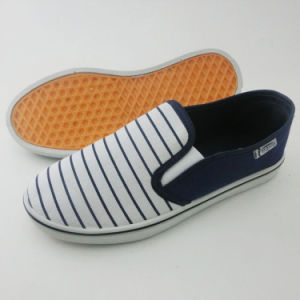 Latest Men′s Slip on Canvas Shoes Injection Leisure Shoes (PY16-03-1) pictures & photos