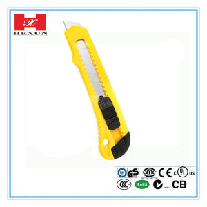 Plastic with Rubber Grip Handle 6 PCS Auto Loading Blade Utility Cutter Knife pictures & photos