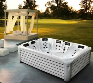 2016 New Arrival 3 Meter 6 Person Rectangular Large Outdoor Jacuzzi with 3 Lounger pictures & photos
