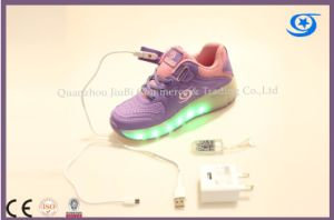 LED Flashing Light up Roller Shoes with Rechargeable Function pictures & photos