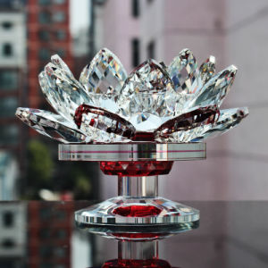 Crystal Glass Lotus Candle Holder for Home Wedding Decoration pictures & photos