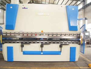Alk Series CNC Synchro Hydraulic Press Brake Machine pictures & photos
