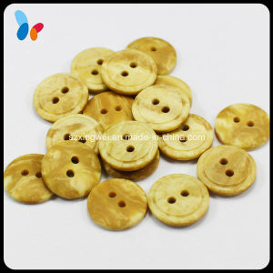 Fashion Two Holes Round Resin Button Imitation Wood Button pictures & photos