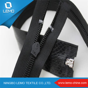 Different Color for Nylon Zipper pictures & photos