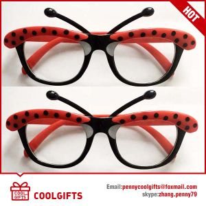 New Cartoon Cute Sunglasses with Dog Shape for Christmas Gift pictures & photos