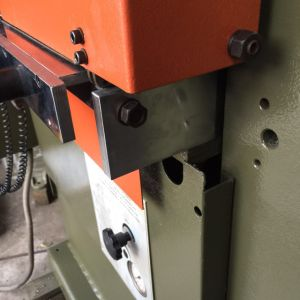 Rebuilt Italy Atom Hydraulic Leather Embossing Machine (PL1250) pictures & photos