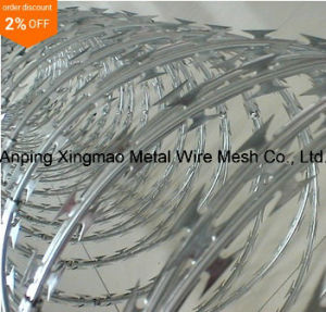 China Supplier Lower Price Concertina Razor Barbed Wire/Hot Dipped Galvanized Razor Wire pictures & photos