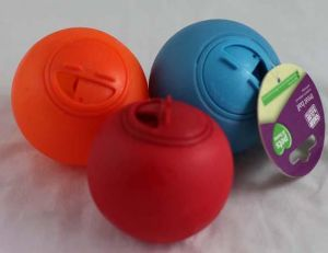 Factory Outlet Top Quality Pet Snack Ball pictures & photos