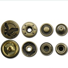 Metal Brass Spring Clip Button pictures & photos