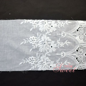 Flower Pattern Mesh Fabric Guipure Embroidery Lace for Clothing pictures & photos
