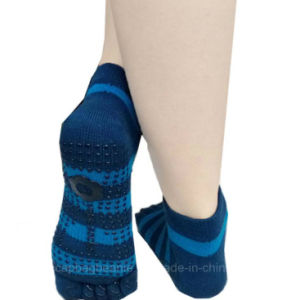 100%Cotton High Quality Sport Five Finger Trampoline Socks pictures & photos
