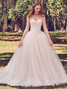 Strapless Wedding Dress Beaded Luxury Lace Tulle Bridal Ball Gown H1318 pictures & photos