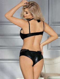 Low MOQ in Stock High Neck Black Lace Leather Sexy Bra Panty Set pictures & photos
