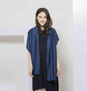 2017 New Jacquard 100% Cashmere Women Scarf From Shanghai pictures & photos