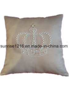 Decorative Cushion Sr-C170213-12 High Fashion Pearled Crown Cushion pictures & photos