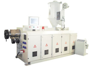 PVC Wood Single-Screw Extrusion Lines (SWMSDF-6) pictures & photos