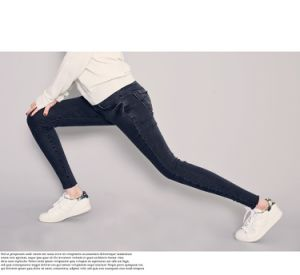 2017 New Lady′ S Cotton Stretch Denim Jeans pictures & photos