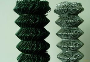 PVC Chain Link Wire for Fence pictures & photos