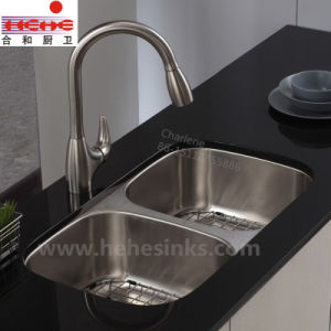 One Piece 50/50 Double Bowl Stainless Steel Sink (7845A) pictures & photos