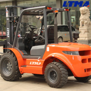 Lifting Equipment 2 Ton Rough Terrain Forklift with Yanmar Engine pictures & photos