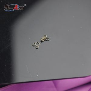 Using Eco-Friendly Materials Good Price Garment Hook and Eye pictures & photos