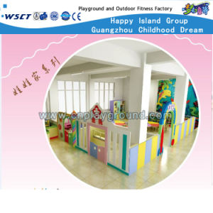 Amusement Kids Play Area Doll House Furniture (HB-wwj-1) pictures & photos