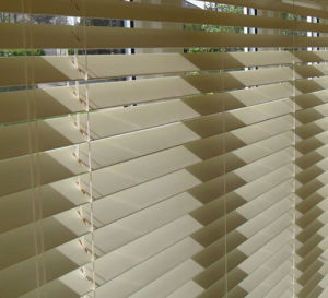 Window Blind Wooden Venetian Blinds pictures & photos