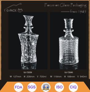 700ml Glass Liqueurs Bottle in Luxious Design pictures & photos