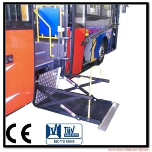 Electric and Hydraulic Scissor Wheelchair Lift Wheelchair Lifting Platform pictures & photos