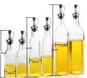 Glass Bottle in Kitchen for Storage Oil Vinegar pictures & photos