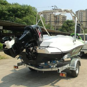 Best Selling High Performance Price Ratio 2 Stroke 90HP FRP Boats pictures & photos