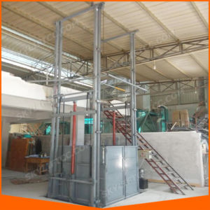 Top Grade Rail Cargo Lift Platform for Wharehouse pictures & photos